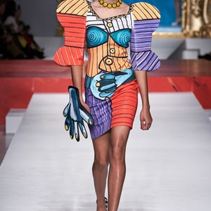 Women with character in Emilio Pucci, Moschino, Armani collections at MFW