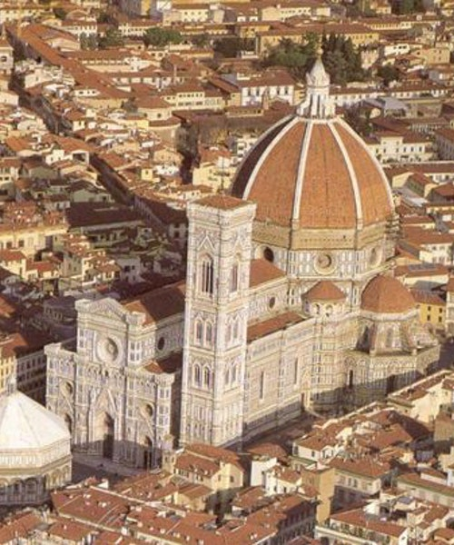 Exclusive shopping tour with your own stylist in Florence