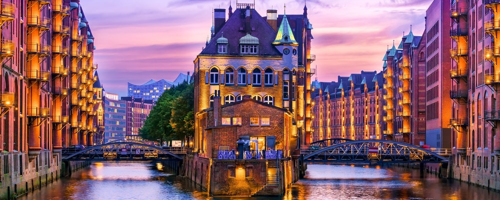 Exclusive fashion tour with your own stylist in Hamburg