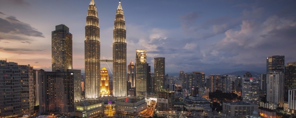 Exclusive fashion tour with your own stylist in Kuala Lumpur