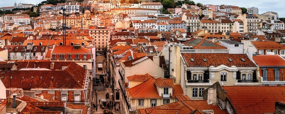 Exclusive fashion tour with your own stylist in Lisbon