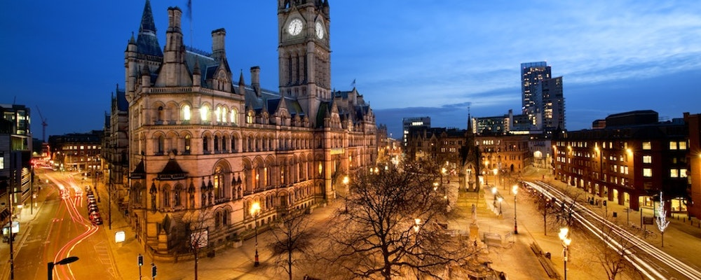 Exclusive fashion tour with your own stylist in Manchester