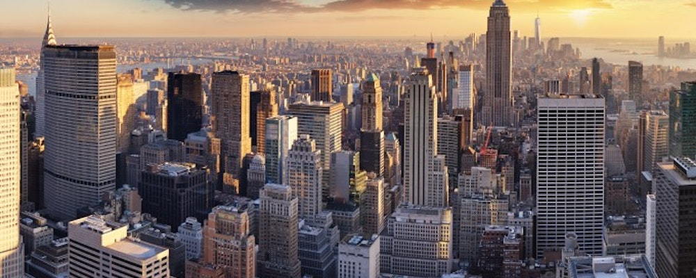 Luxury shopping tour with your own fashion stylist in New York