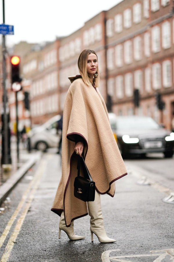Capes - A fashionable alternative to the autumn coats