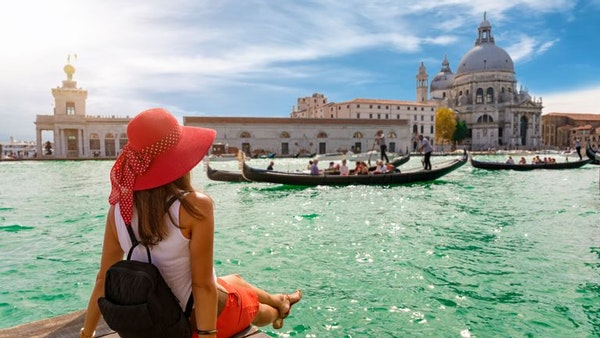 Atmospheric vacation in Venice this November