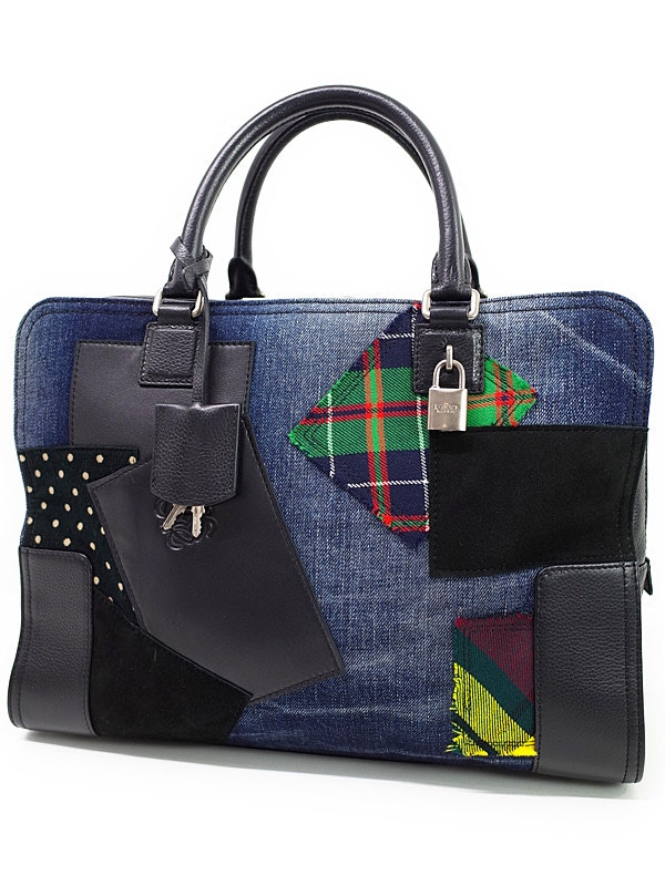 LOEWE's new capsule collection and interesting facts about the English brand