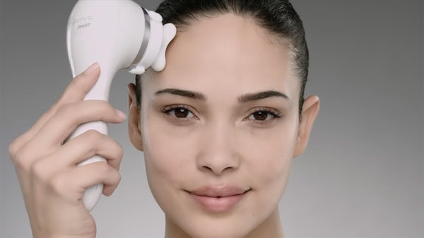 New beauty gadgets that help keep skin young