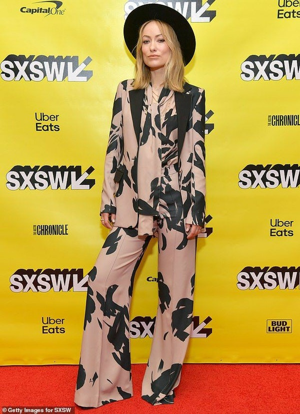 10 best celebrities outfits in a pantsuit: from Meghan Markle to Victoria Beckham