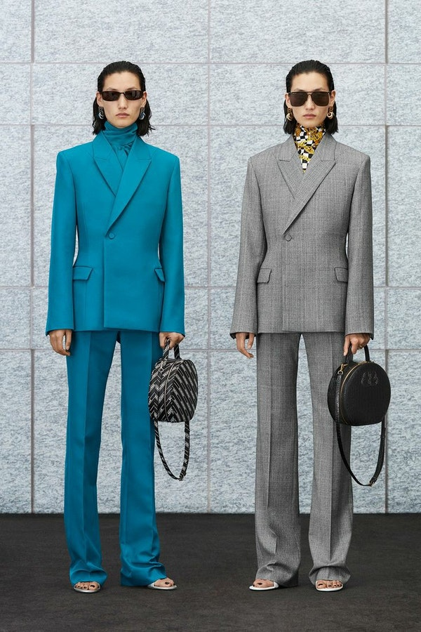 5 tips on how to update office wardrobe this season