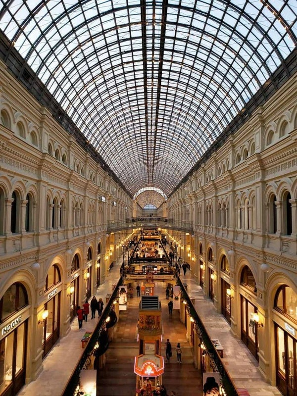 Top 10 cities for shopping in February