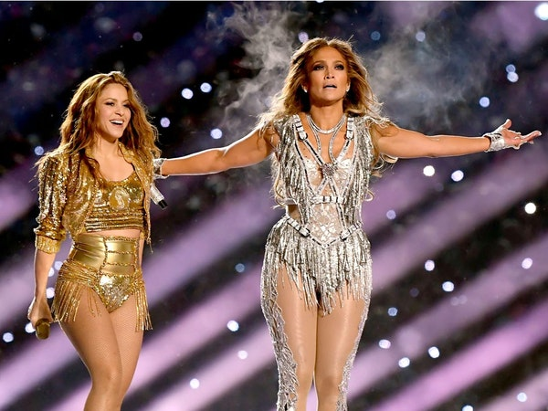 The brightest headliners outfits at the Super Bowlof all time
