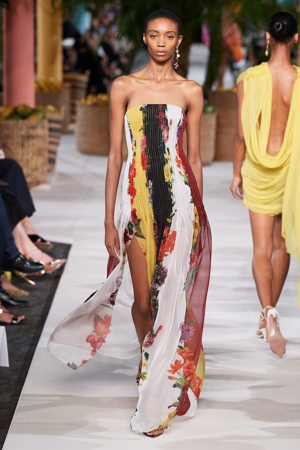 Blooming dresses to the floor - a fashion trend of the S/S season