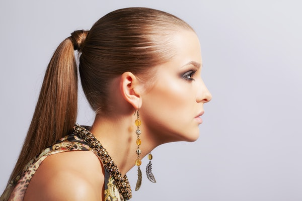 Fashionable hairstyles from the runway, that are easy to replicate at home