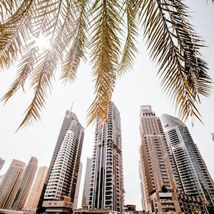 Travel guide for Dubai from fashion stylists. Where to stay, what to see and where to go for shopping