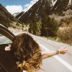 A Guide to Road Trip Fashion (Fashion + Comfort)