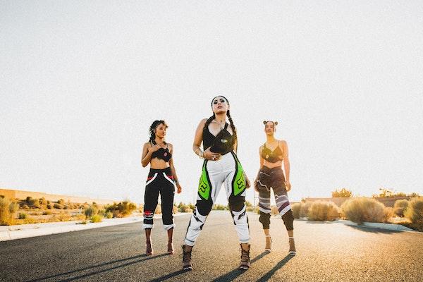 A Guide to Road Trip Fashion (Fashion + Comfort)