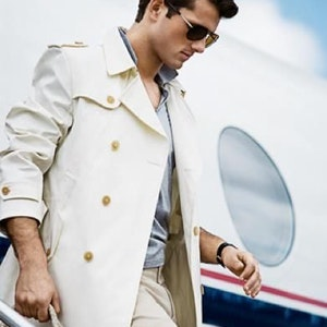 How to dress for luxury travel