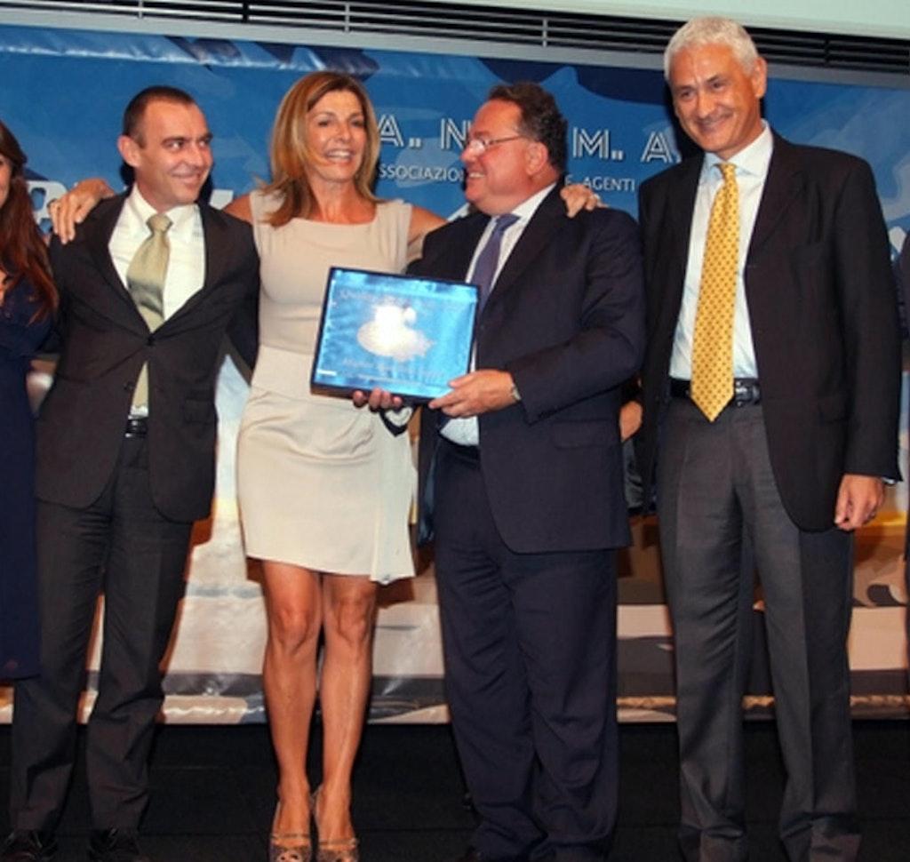 1593444739 1563458412 quality award 2010