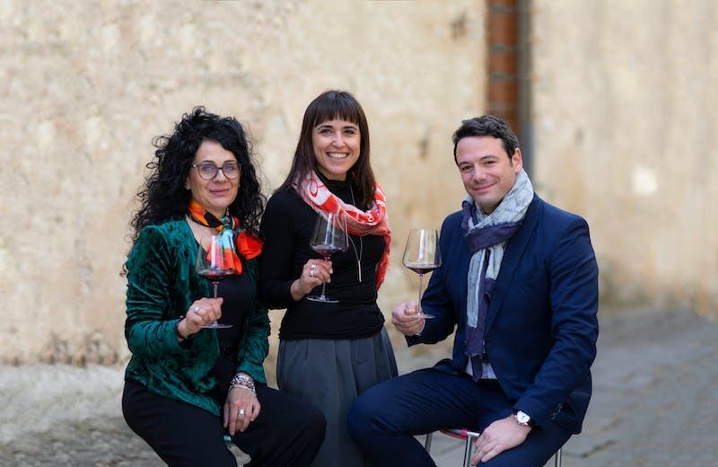 Donatella Ferrucci, Monica Petreni e Niccolò Panerai si occupano del mercato italiano ed estero.