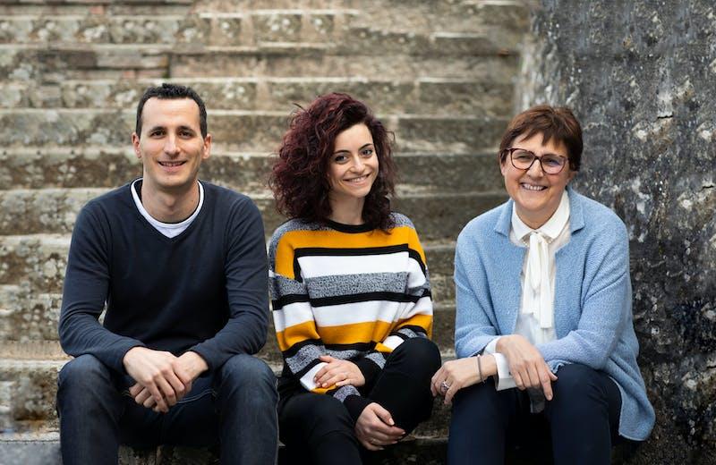 Jonathan Pianigiani, Lisa Rinaldi e Tiziana Fineschi si occupano della parte gestionale e amministrativa dell'Azienda