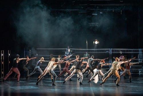 Sametové baletní Gala - Fighting for one thing - soubor Baletu ND - Foto Sergej Gherciu