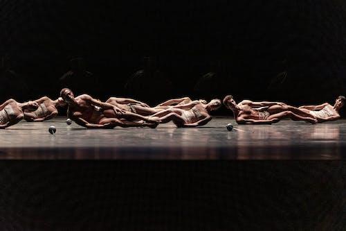 Kylián – Mosty času: Gods and Dogs - The Czech National Ballet - Foto Pavel Hejný
