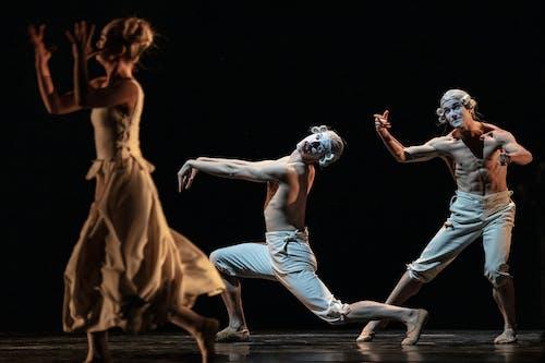 Kylián – Mosty času: Six dances - Anna Novotná, Fraser Roach, Veaceslav Burlac - Foto Pavel Hejný