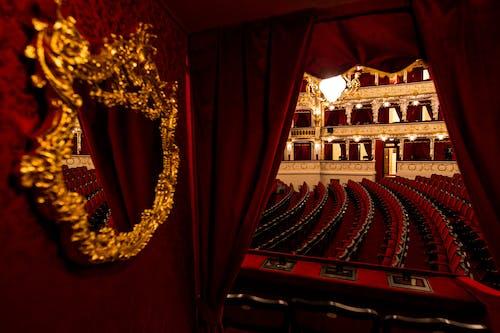 Slavnostní galakoncert ke znovuotevření Státní opery