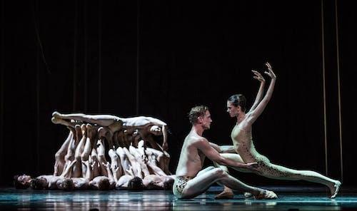 Balet Národního divadla – Timeless – Svěcení jara – Radka Zvonařová, Marek Svobodník – Foto: Pavel Hejný