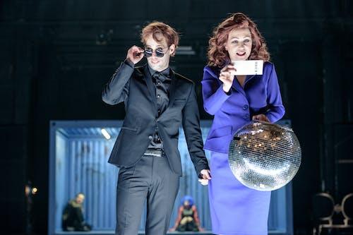 Stát jsem já | Petr Vančura a Zuzana Stivínová - foto: Petr Neubert