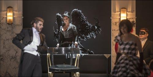 Opera ND - Maškarní ples | Peter Berger, Eliška Weissová, Yukiko Kinjo - foto: Patrik Borecký