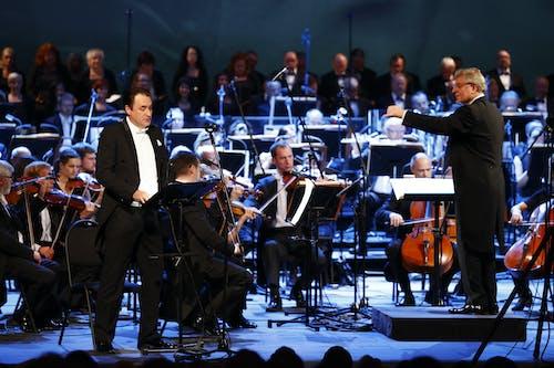 Musica non grata – zahajovací koncert SO 2020/2021   Sólista Svatopluk Sem, dirigent Karl-Heinz Steffens, Orchestr Státní opery; Foto: Petr Horník