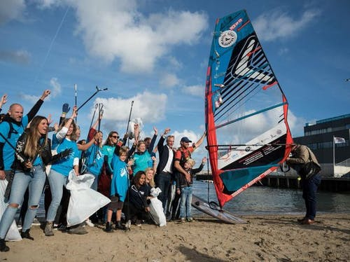 Merijn Tinga with wind surf team