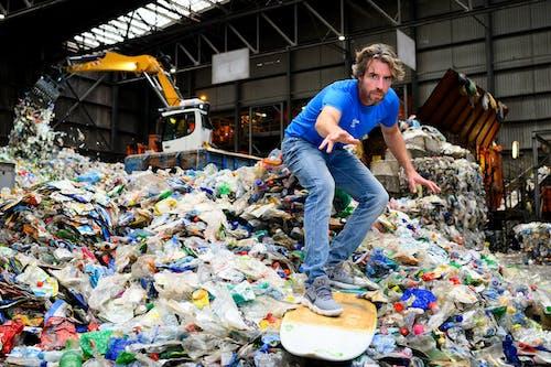 Plastic Soup Surfer Merijn Tinga - photo Eelkje Colmjon