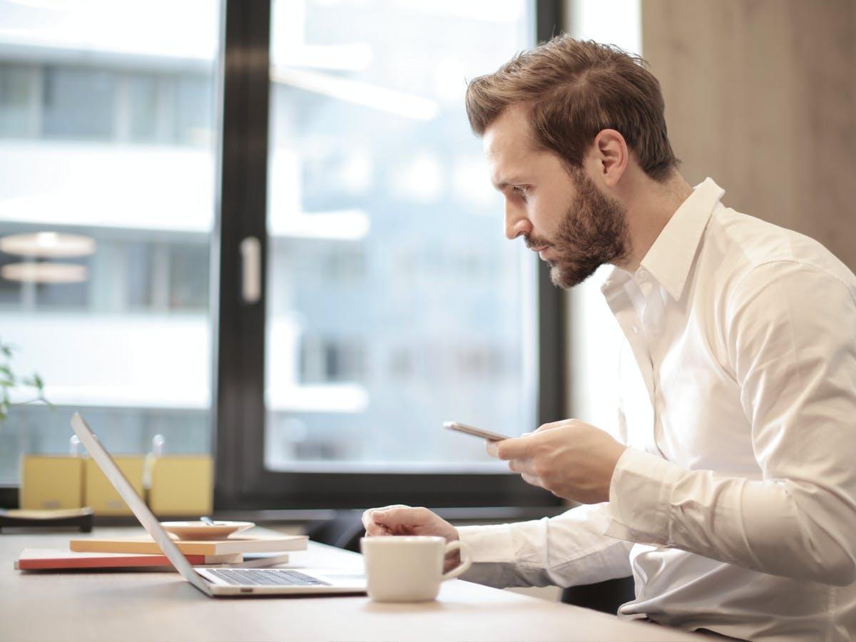 Zarządzanie pracą zdalną – poradnik dla menadżera cover image