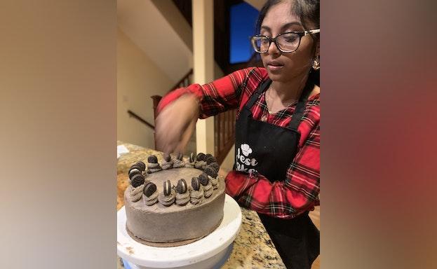 Shweta with cake