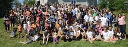 À l'école d'été du Québec, les participants de toutes générations se réjouissent d'être ensemble