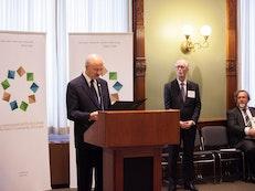 L'Assemblée législative de l'Ontario marque le bicentenaire de la naissance de Bahá'u'lláh