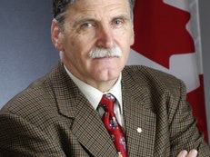 Senator Romeo Dallaire Speaks Out about the Baha'is