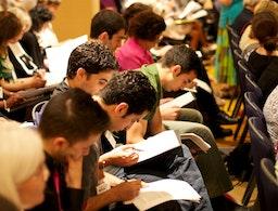 La conférence « Repenser notre conception de la nature humaine» de l'AÉB attire un grand nombre de participants