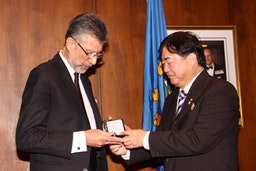 Winnipeg Baha'i Dr. Redwan Moqbel receives Lieutenant Governor's Award for the Advancement of Interreligious Understanding