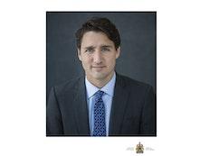 Le premier ministre se joint aux bahá'ís pour commémorer un bicentenaire historique