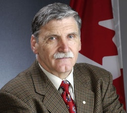 Canadian Senator Roméo Dallaire speaks about the persecution of Baha'is
