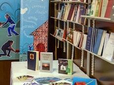 37e Salon du livre de Montréal où les jeunes se rencontrent en grand nombre