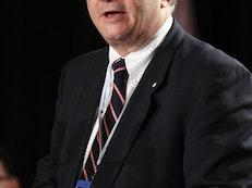Un éminent sénateur canadien conseille vivement qu'on agisse au sujet des bahá'ís en Iran