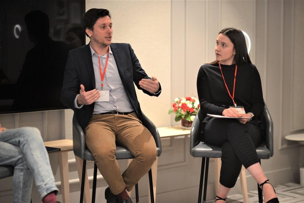 Au sommet Foi en l'avenir de jeunes adultes cherchent à apprendre comment vivre publiquement leur foi