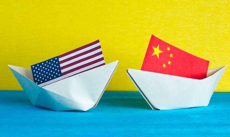 Amerikaans en Chinees bootjes in handelsoorlog met elkaar