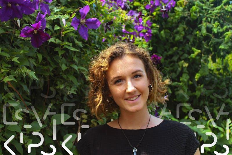 Phoebe Howlett, overleeft als digital nomad