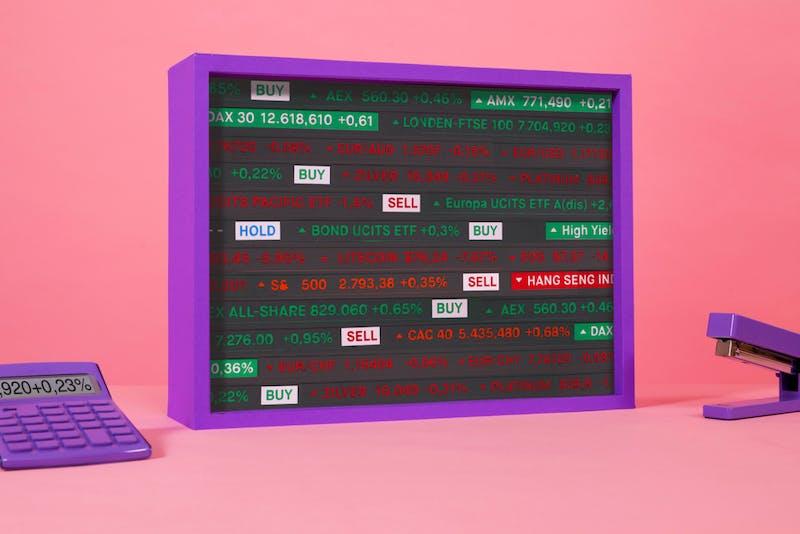 Beurskoersen op een scherm