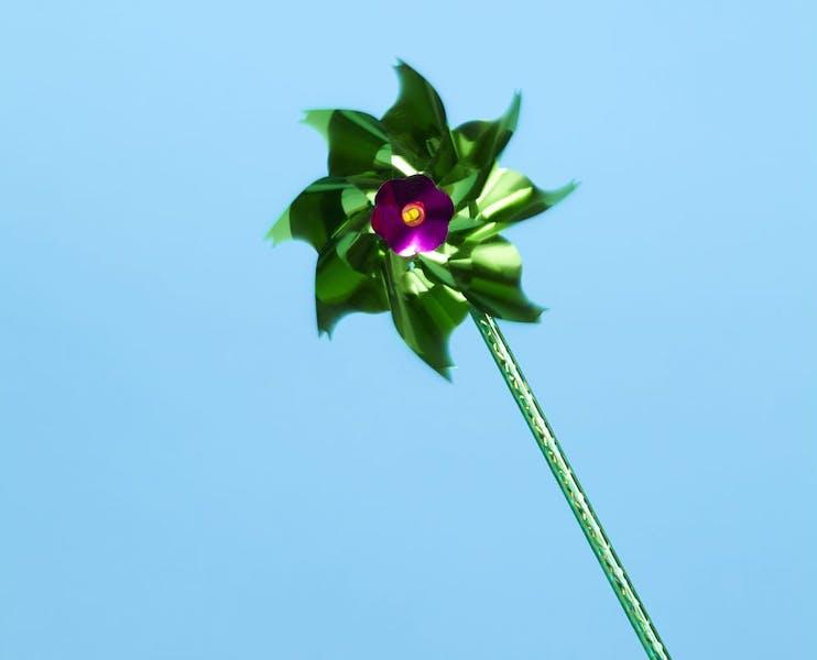 Windrädchen symbolisiert nachhaltige Fonds von Peaks